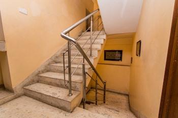 OYO 2254 Hotel Villa 211 - Staircase  - #0