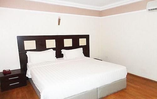 Richton Hotel & Suites, Abeokuta South