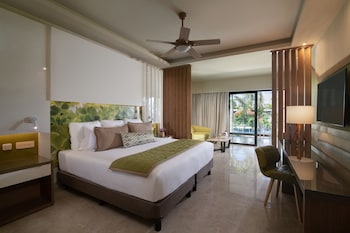 Premium Jr. Suite Pool View King (resort Access To Breathless Punta Cana)