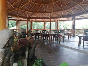 ATREMARU JUNGLE RETREAT Breakfast Area