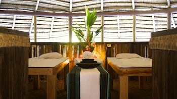 ATREMARU JUNGLE RETREAT Treatment Room