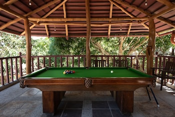 ATREMARU JUNGLE RETREAT Billiards