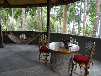 ATREMARU JUNGLE RETREAT Terrace/Patio