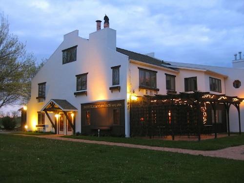 Settlement Courtyard Inn & Lavender Spa, Door