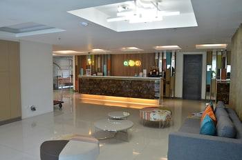ABC HOTEL CEBU Lobby Sitting Area