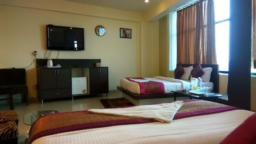 Hotel Port View, West