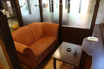 HOTEL CACHE - ADULTS ONLY Lobby Sitting Area