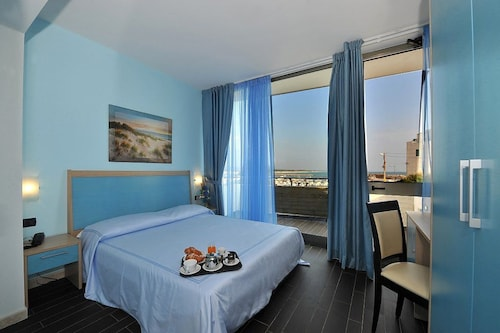 Nauticus Guest Room, Lecce