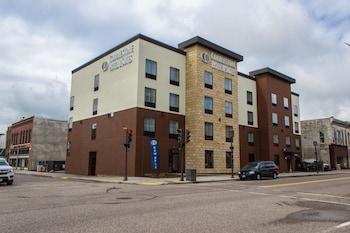 Cobblestone Hotel & Suites – Chippewa Falls