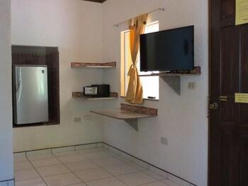 ALONALAND RESORT APARTELLE Room Amenity
