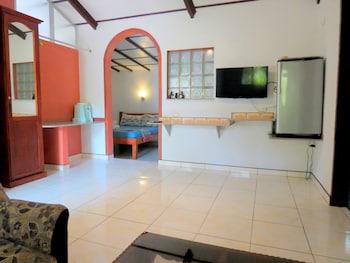 ALONALAND RESORT APARTELLE Living Room