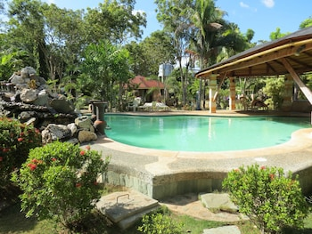 ALONALAND RESORT APARTELLE Outdoor Pool