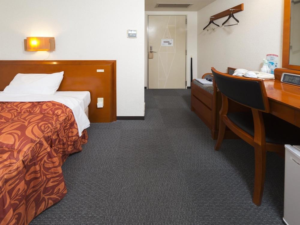 ホテル 港屋