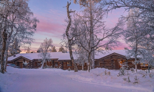. Log house Kuukkeli Teerenpesä