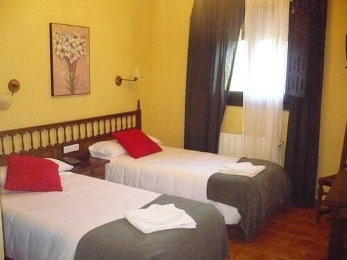 . Hotel Castillo de Uña