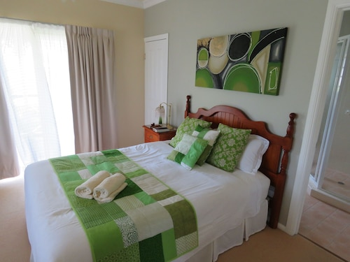 Grovely House Bed & Breakfast, Stanthorpe