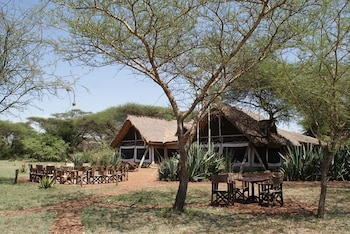 Ikoma tented Camp - Hotel Front  - #0