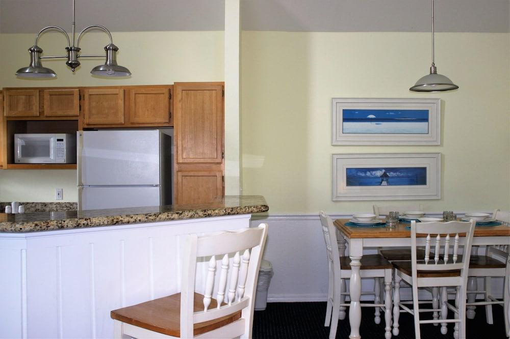 2 Bedroom Vacation Villa (RW8103)