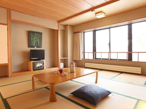 . Hotel Mutsumi