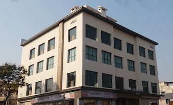Hotel - Azeez Avenue hotel
