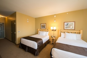 Double Queen Suite Accessible Tub - Water Park Included