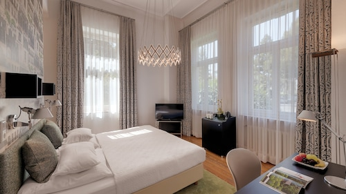 . Boutiquehotel Dreesen, Villa Godesberg