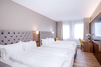 Signature Double or Twin Room, 2 Queen Beds