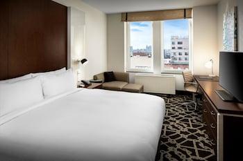 Guestroom at Hilton Brooklyn New York in Brooklyn