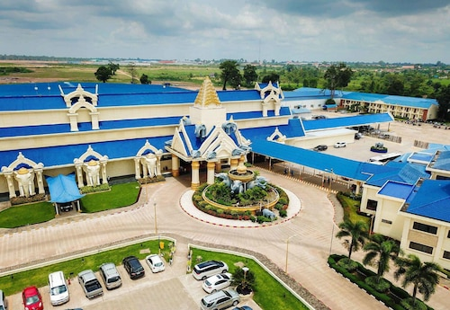 . Savan Resorts