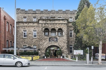 Hotel - The Old Swan Barracks - Hostel