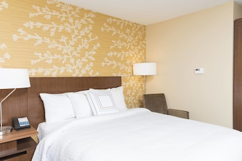 Guestroom at Fairfield Inn and Suites Orlando Kissimmee Celebration in Kissimmee
