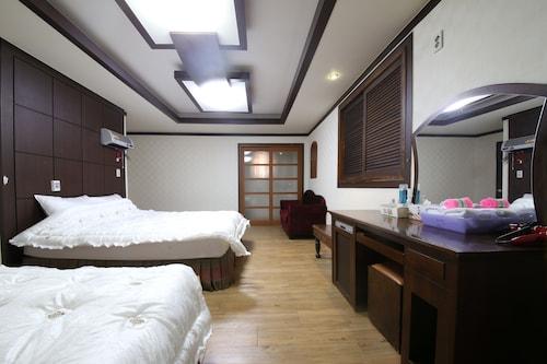 __{offers.Best_flights}__ Bali Motel