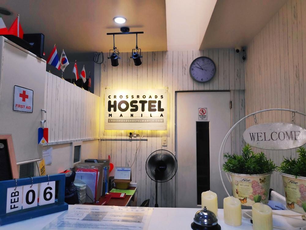 https://i.travelapi.com/hotels/15000000/14990000/14988000/14987953/dfdd509a_z.jpg