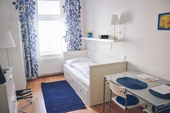 JL Apartments