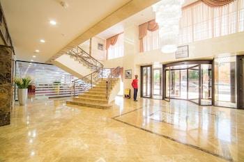Shera Park Inn Hotel - Interior Entrance  - #0