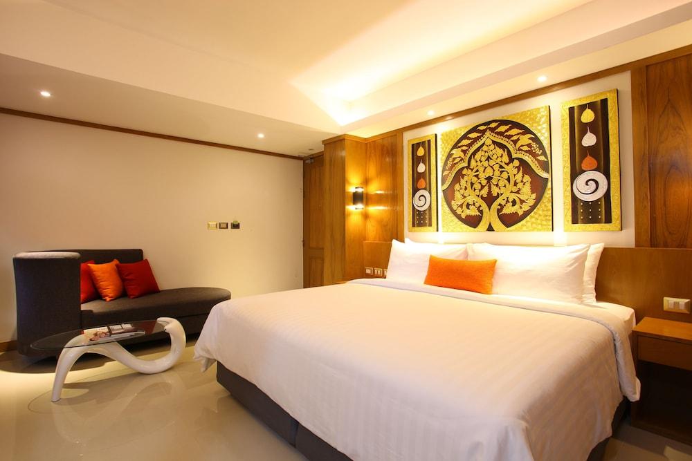 https://i.travelapi.com/hotels/16000000/15010000/15005000/15004933/911b8225_z.jpg