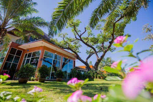 . Baan Suan Khunta Golf Resort