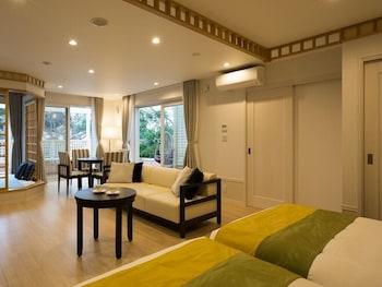 Main Building Corner Suite