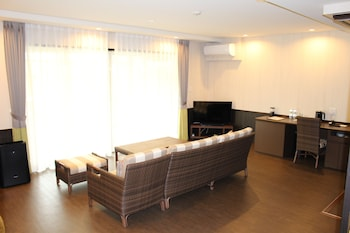 Penthouse, 2 Bedrooms, Courtyard View