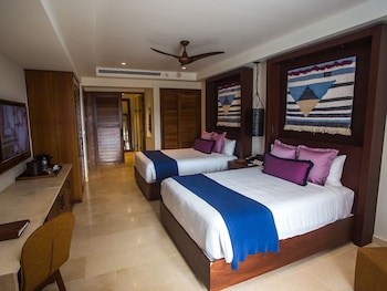 Junior Suite Tropical View Double Beds