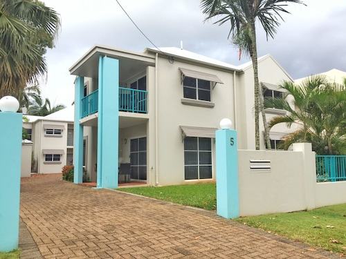 The Reef Retreat Townhouses, Cairns - Northern Suburbs