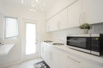 761 South Beach Apartments - In-Room Kitchenette  - #0