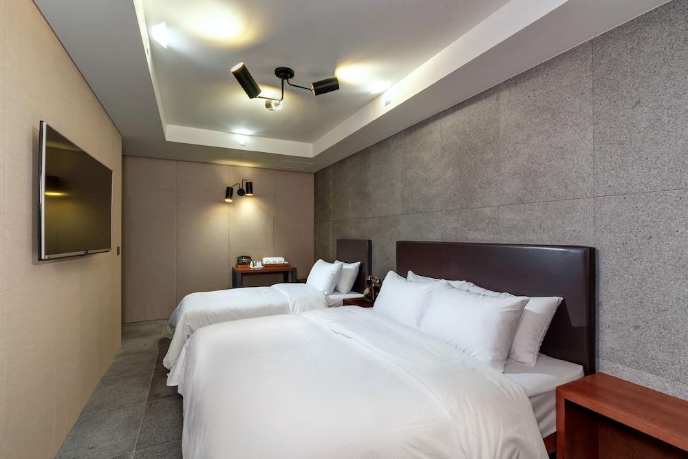 Capace Hotel