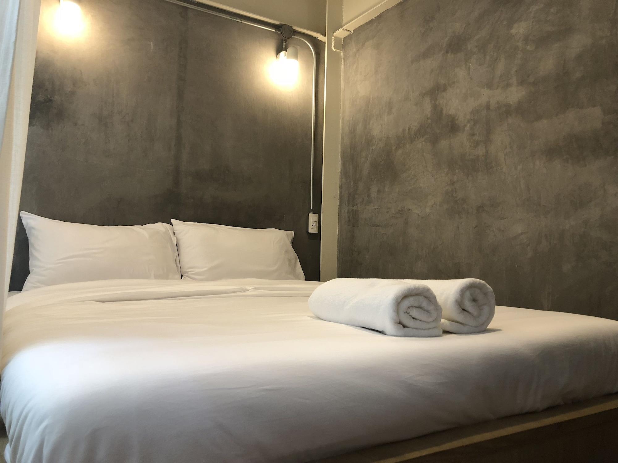 On the bed Hostel, Khlong Toey