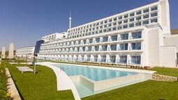 Grand Luxor Hotel - Includes Tickets to Mundomar & Aqualandia Parks