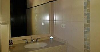Kal Nawi Hotel - Bathroom  - #0