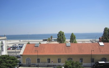 Hotel - B.Mar Hostel & Suites