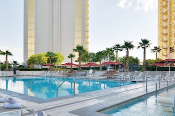 AAA 2 Bed Rooms 3 Bath Suite at The Signature Condo Hotel - Outdoor Pool  - #0