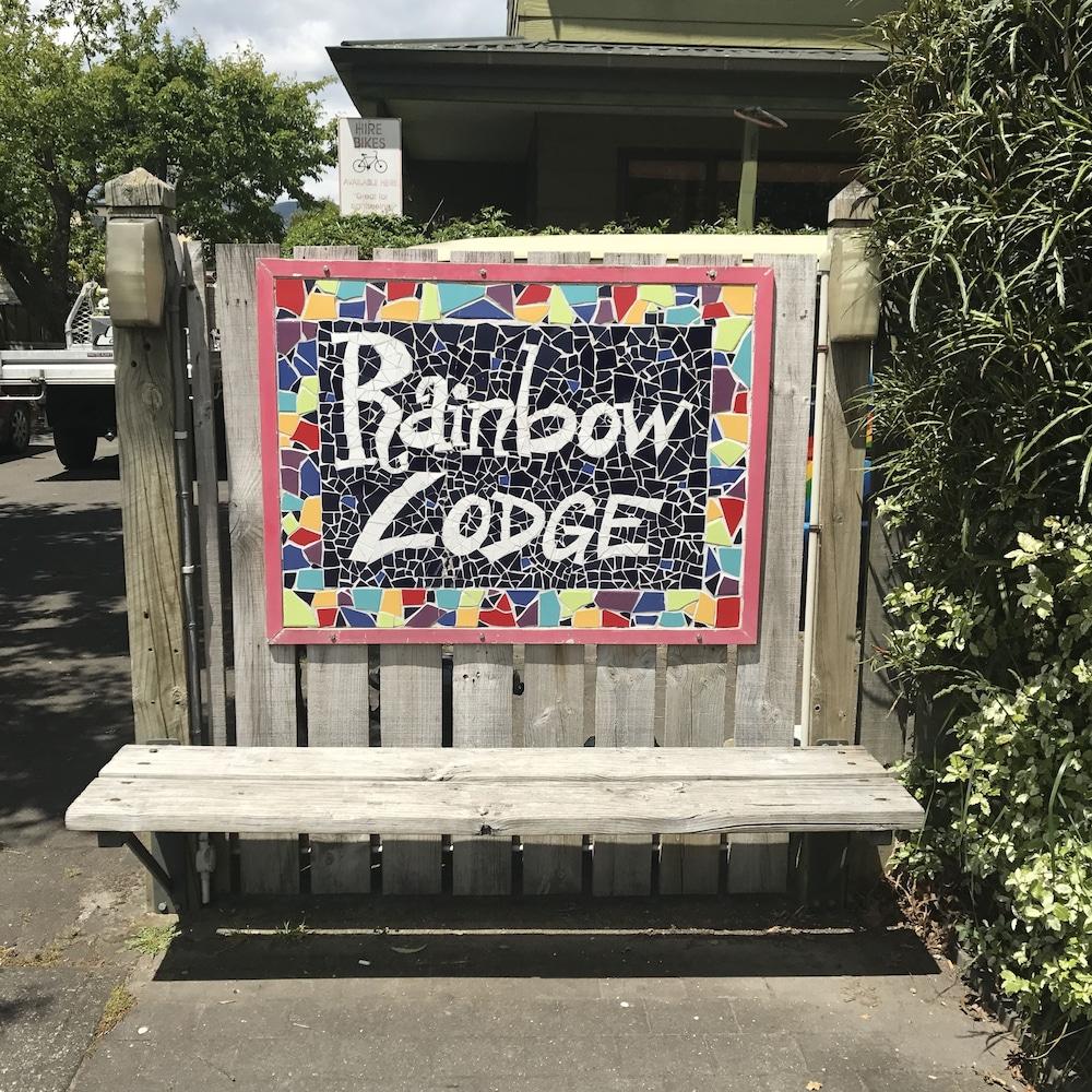Rainbow Lodge - Hostel