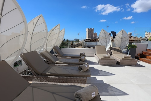 BO Hotel, Baleares